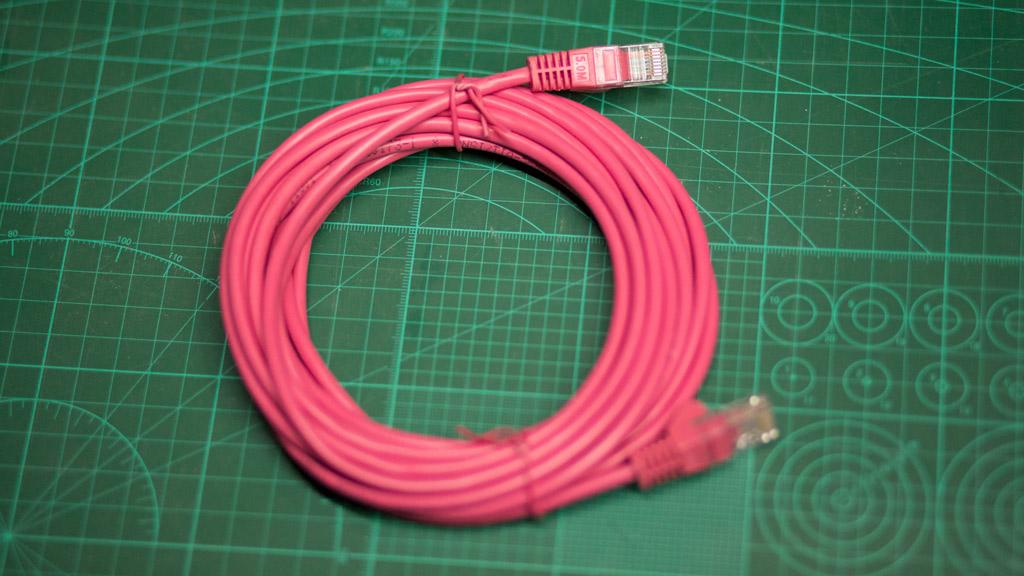 5 метров Ethernet кабеля для подключения к интернету