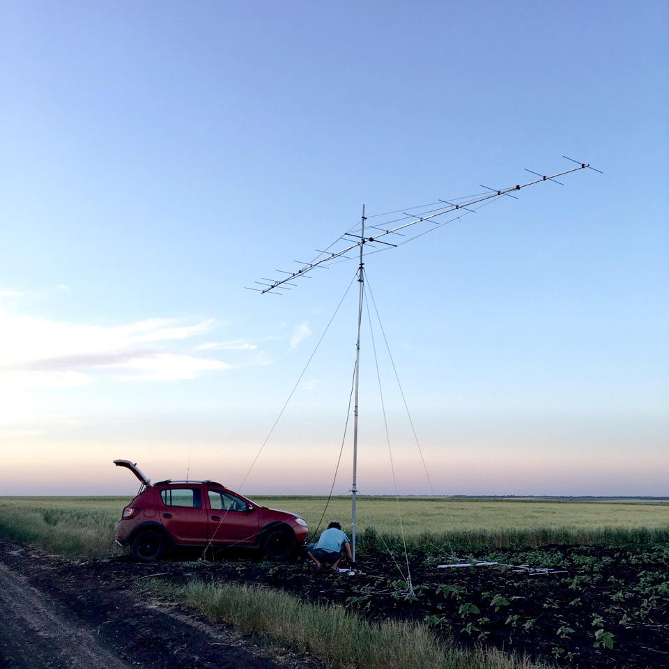 Установленная DIY антенна 13 элементов за авторством DK7ZB