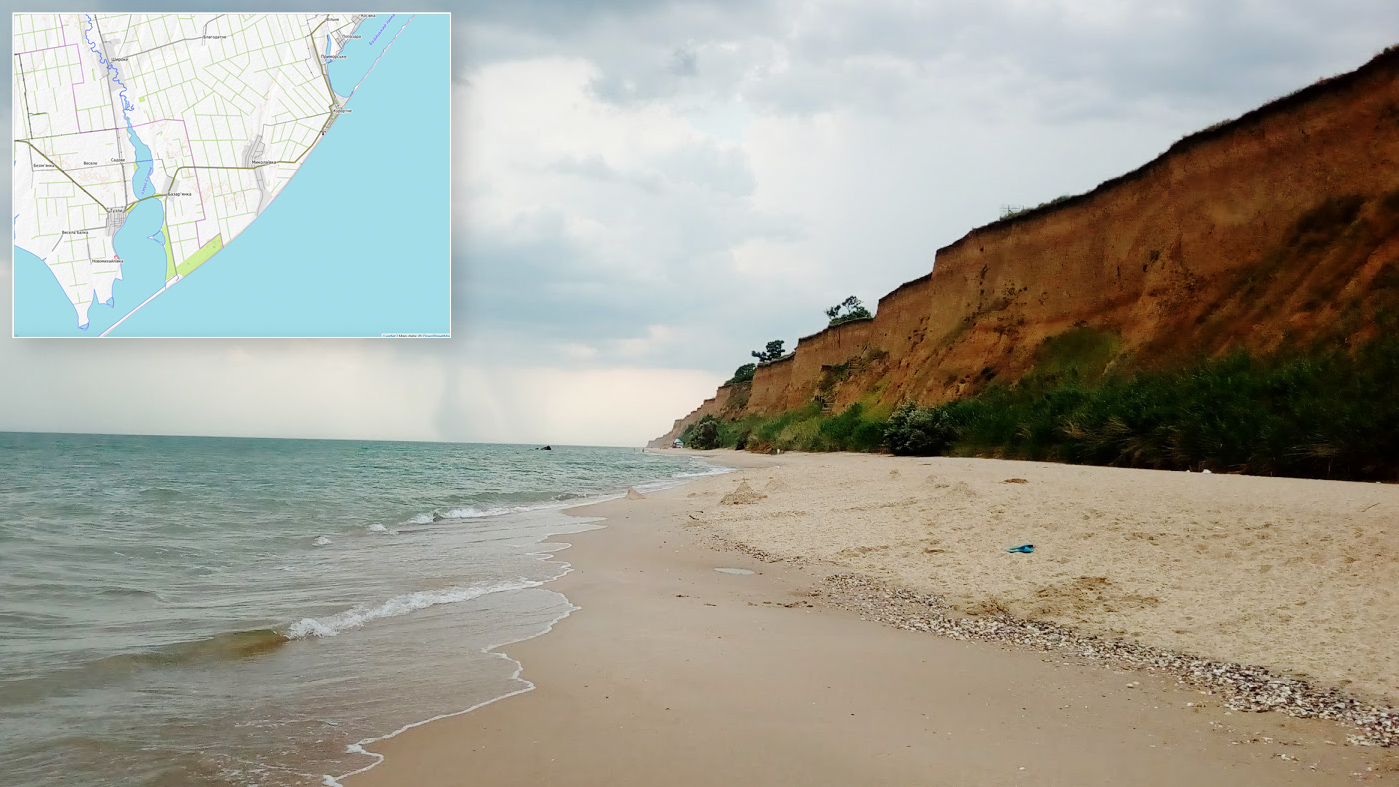 Вид на 22 метровый обрыв со стороны моря